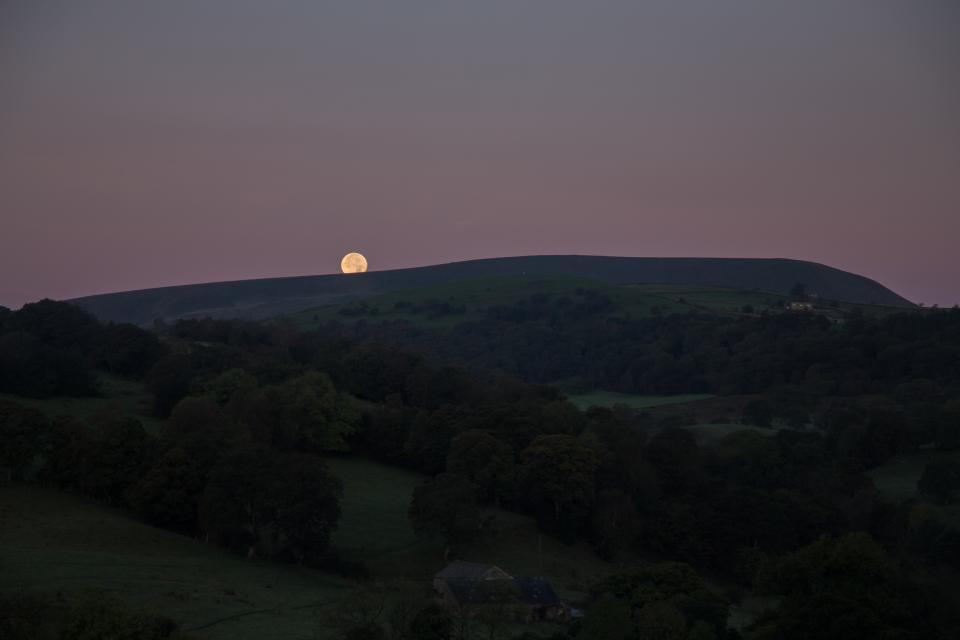 Full Moon setting over Pendle