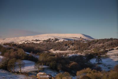 Snowy Pendle. © Stuart Grimshaw